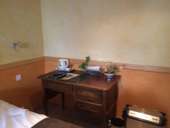 Hotel restaurant auberge du Tuye: La chambre