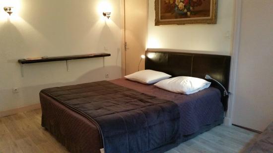 Hotel le XVIIIeme : Chambre confortable