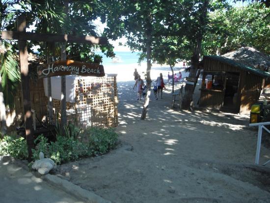 Stilts Calatagan Beach Resort : one of the beach areas
