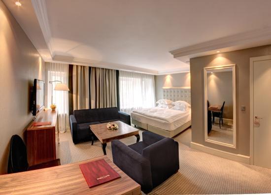 Khreschatyk Hotel: Junior Suite Prestige