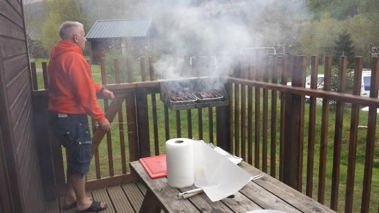 Forest Holidays Strathyre, Scotland: Barbecuing