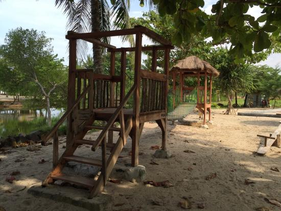 Alau Alau Resort: Hotel and grounds