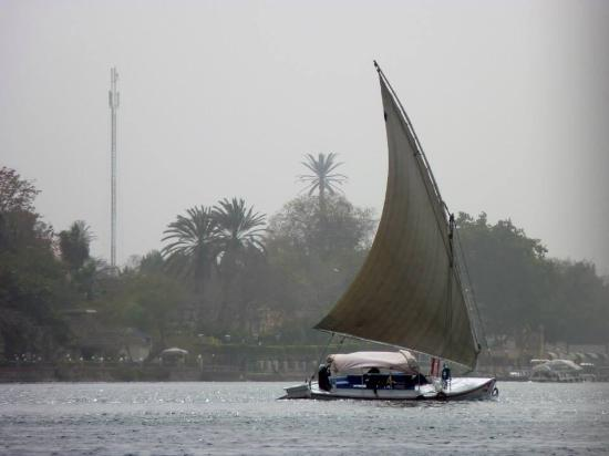 Sharm Wonders - Day Tours: On the Nile( Cairo by plane)