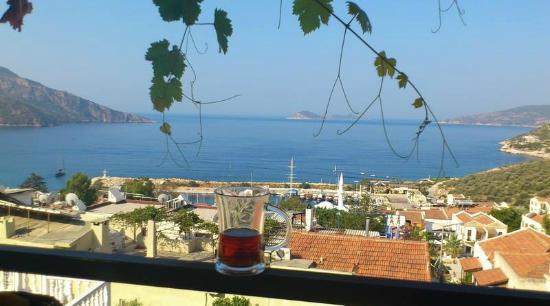 Gul Pansiyon: Terasta kahvaltı manzarası
