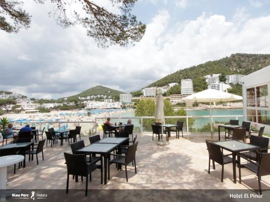 El pinar aparthotel cala llonga spanya otel for Terrace 33 menu