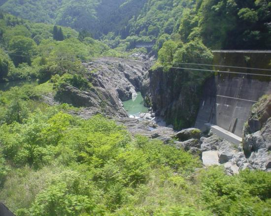 Shirakawa-cho, ญี่ปุ่น: 急峻な飛騨川