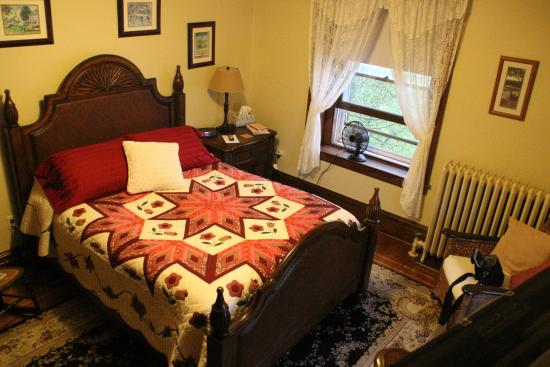 Walnut Lawn B&B: Room 4