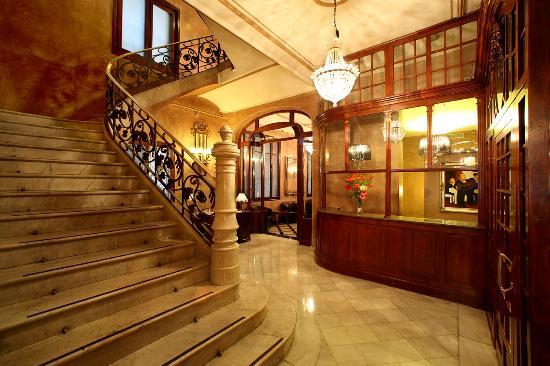 Photo of Nouvel Hotel Barcelona