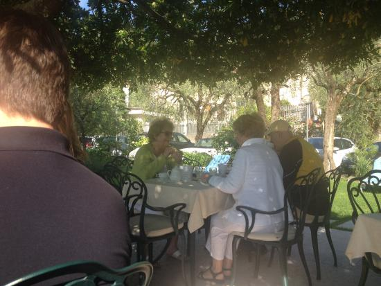 Hotel Gardenia al Lago: Breakfast area