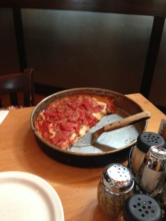 Lou Malnati's Pizzeria: Chicago deep dish pizza