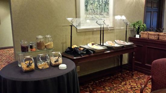 Delta Hotels by Marriott Kananaskis Lodge: Monday - Friday continental breakfast in the signature building