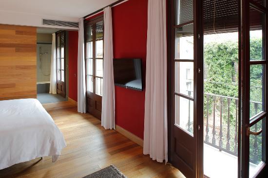 Casa Camper Hotel Barcelona: CORNER SUITE