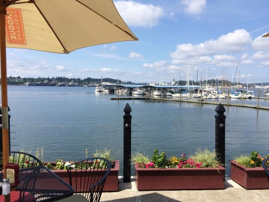 Port Orchard's Lighthouse: Outside patio view
