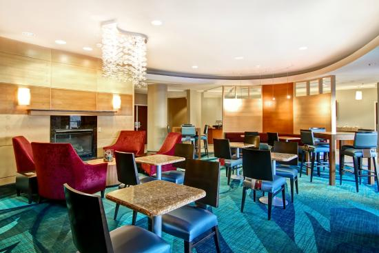 SpringHill Suites Fresno: Breakfast - Dining Area