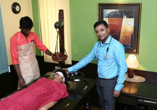 Sowkhya Ayurvedic Spa: Shiro Dhara Therapy at Sowkhya Ayurveda Speciality Clinic