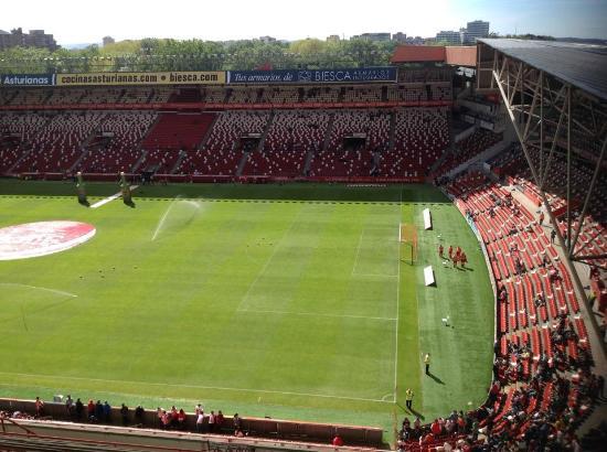 Estadio el molin n fotograf a de estadio municipal el molin n asturias tripadvisor - Estadio del sporting de gijon ...