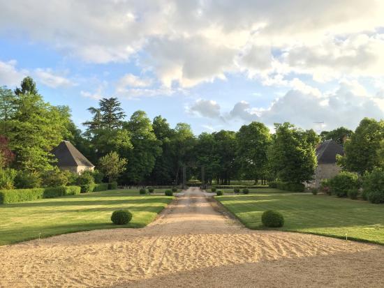 Landscape - Chateau La Touanne Photo