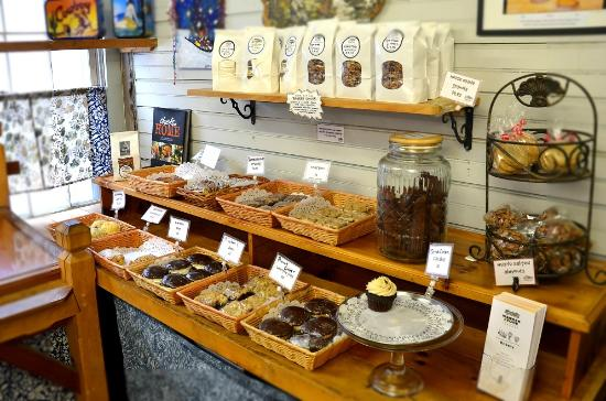 The Warren Store : Baked goods daily