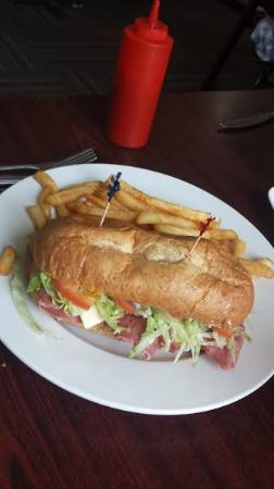 Taste of Europe Restaurant: Roast Beef Sandwich
