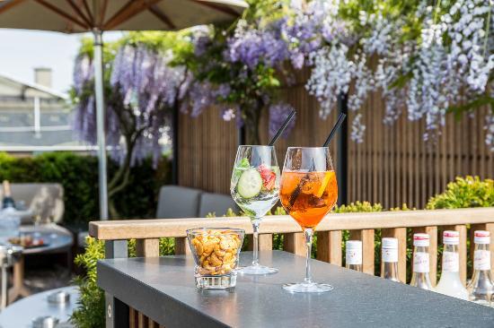 Hotel Metropole Geneve: 5 lounge bar restaurant Details