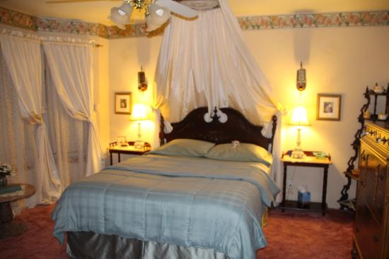 Flery Manor B&B: Sweet Dreams room