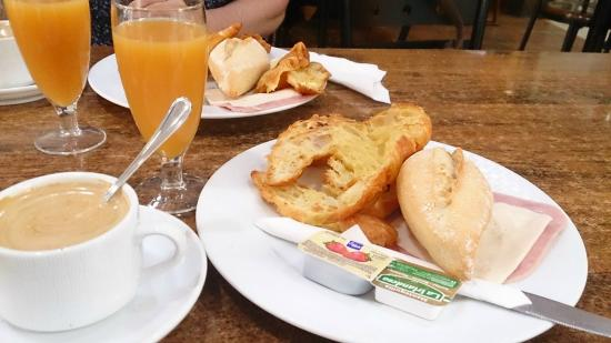 Hotel Pujol : Desayuno