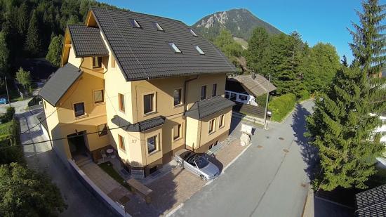Apartment House Berghi: Berghi I