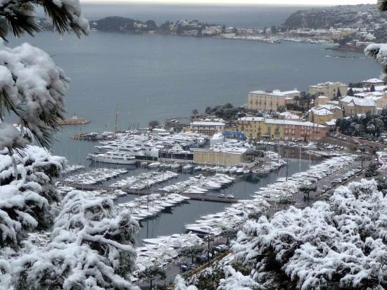 Hôtel Carlton – Beaulieu-sur-mer : Neige à Beaulieu en 2010 ! Snow in Beaulieu in 2010 !