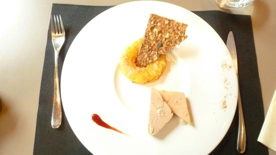 Maison du Terroir: Foie gras/ananas caramélisé/tuile