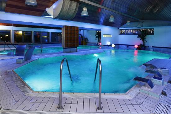 Hotel Terme Salvarola: piscina 35°