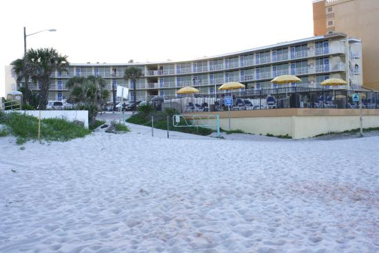 Outrigger Beach Club : Hotel view from beach