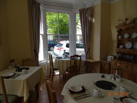 Portland House Bed and Breakfast: Dining Room