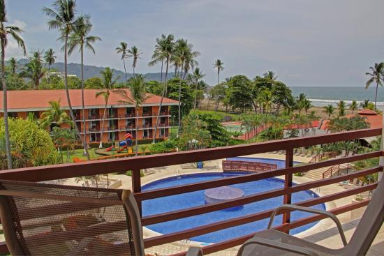 Best Western Jaco Beach All Inclusive Resort : Pool view