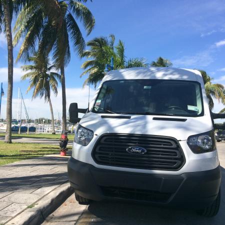 Sunny Isles Beach, FL: Big nice vans