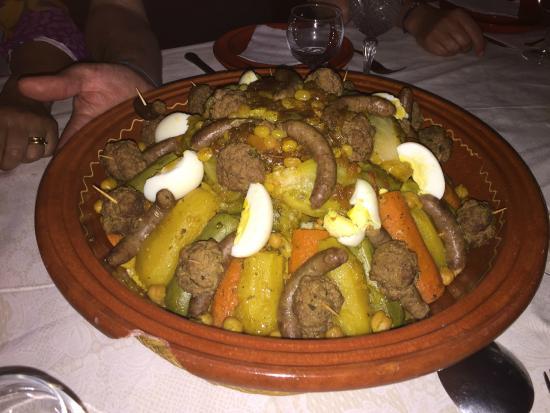 Dar Amanza : Le couscous royal