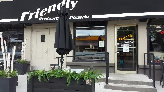 Rockland, Canada: Friendly Restaurant & Pizzeria