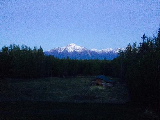 Alaska's Harvest B&B: View from our room at midnight--yes, at night! Have to love Alaskan summers :)