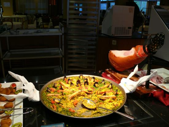 Valentin Paguera Hotel & Aptos: soiree paella
