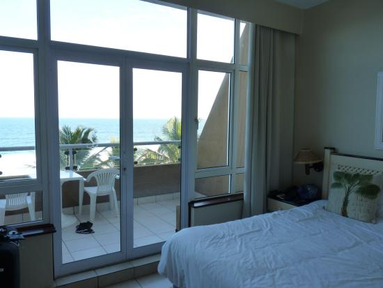 Salt Rock Hotel & Beach Resort : Great Room with a view