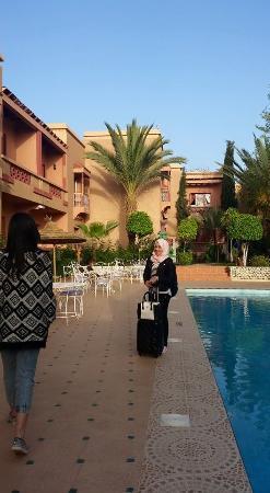 Hotel Le Fint: acoté de piscine