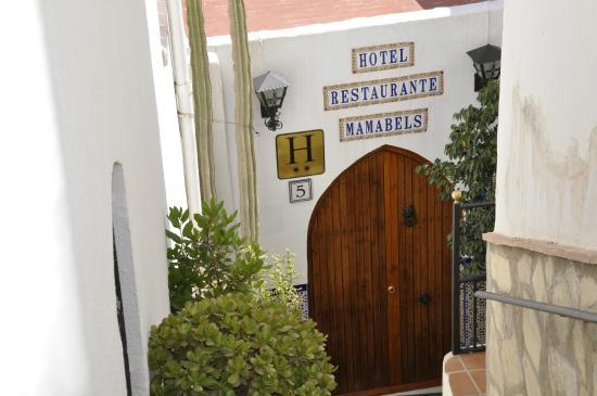 Hotel Restaurante Mamabels: Endrada