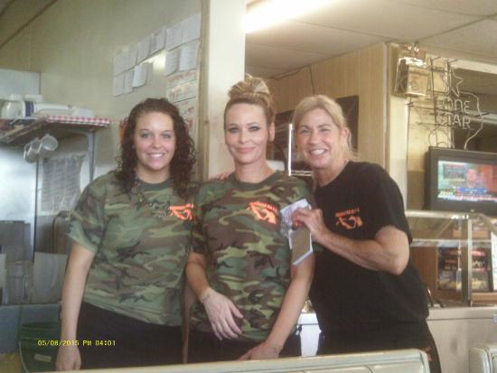 San Angelo, TX: Our wonderful waitresses