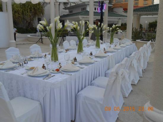 Sandos Cancun Lifestyle Resort The Wedding Table