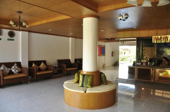 Natural Samui Hotel: Ресепшн
