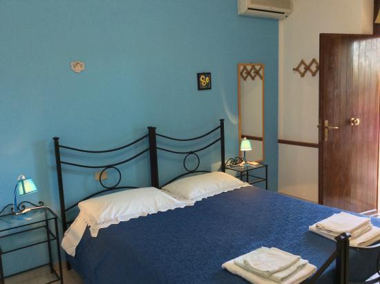 Agriturismo Santa Lucia : Camera Azzurra...