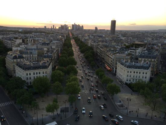 Shanzelize View - Picture Of Hotel Etoile Saint-ferdinand By Happyculture  Paris