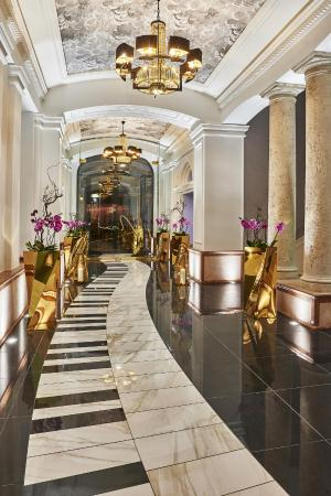 Aria Hotel Budapest by Library Hotel Collection: Aria Hotel Entrance