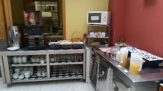 Hotel City M28: Hormigas en el desayuno