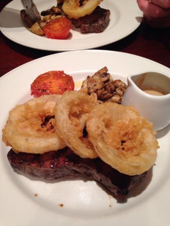 Vito's Italian Restaurant: fantastic customer service & the food was amazing!!!