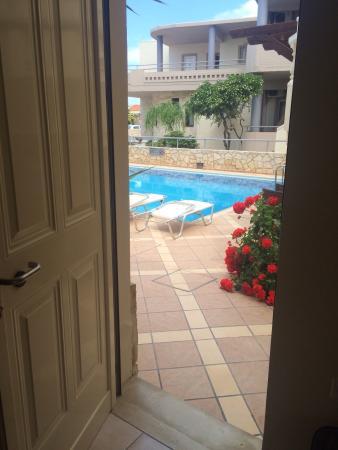 Elotis Suites: From door to pool